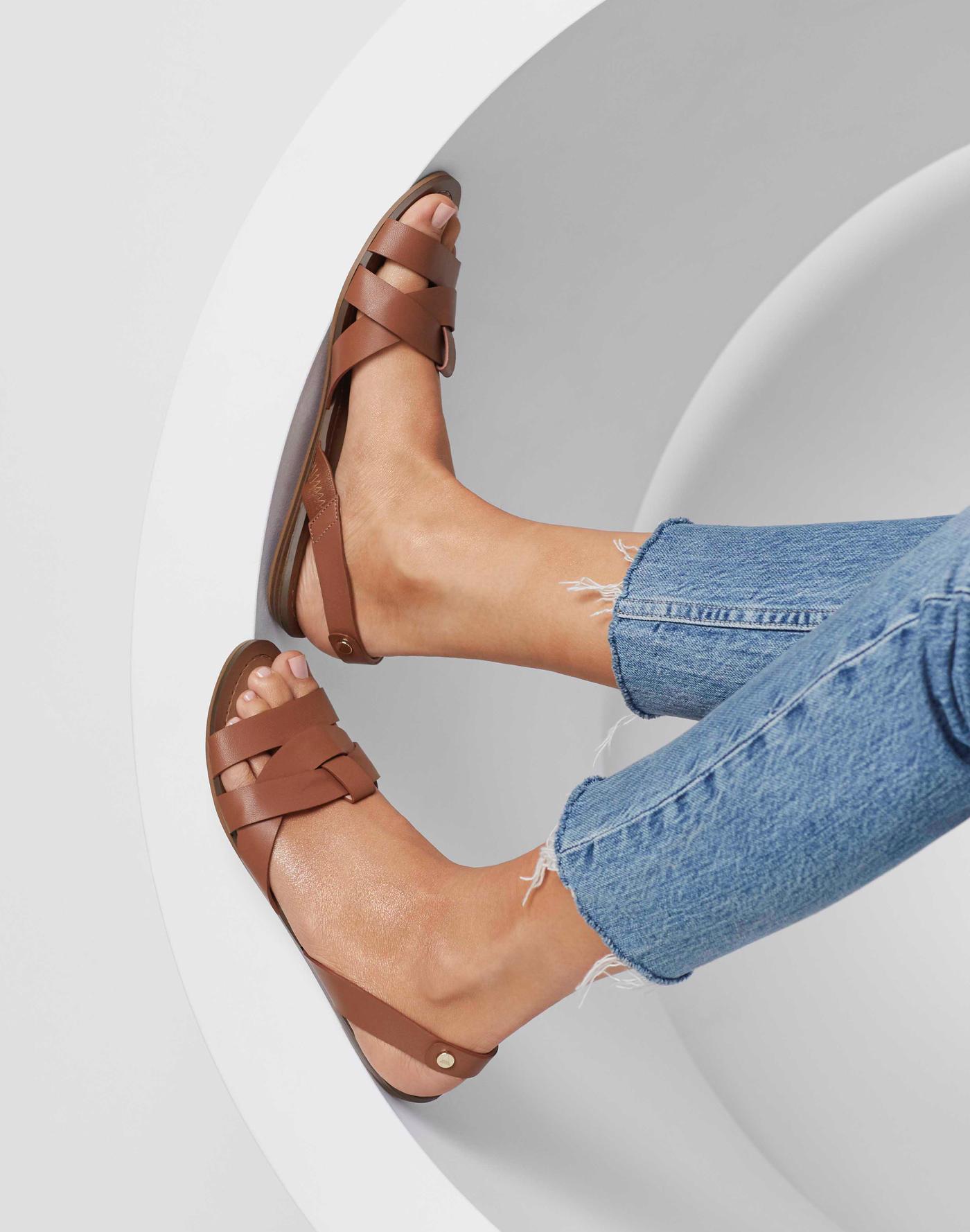 277b4203e36b88 Sandals