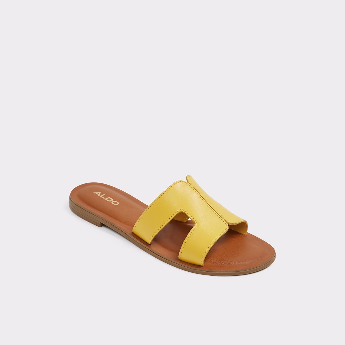 Delassa Mustard Women s Flats