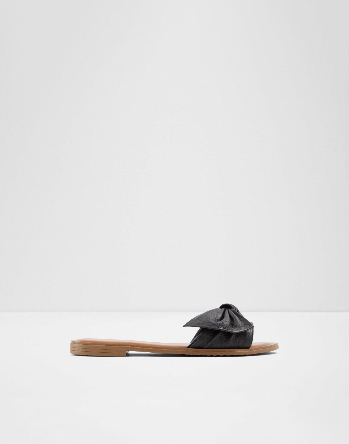 4f395e62bc3 Flat sandals