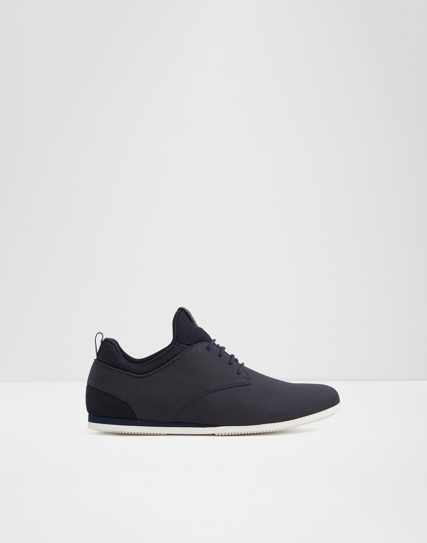 c36b7306b9e7 Sneakers