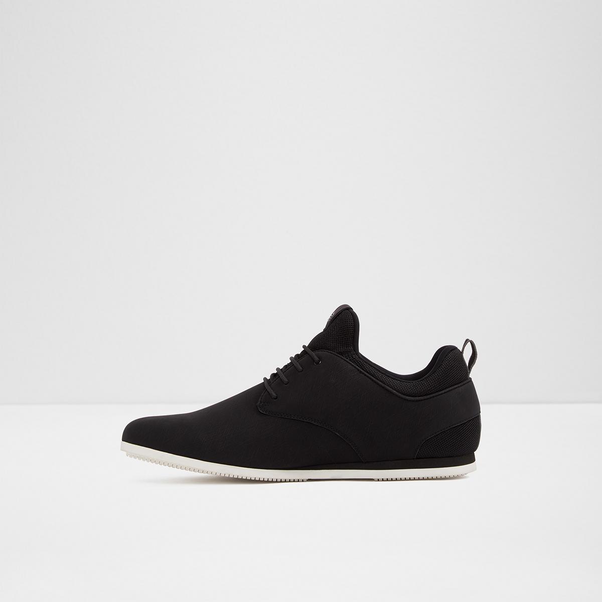 80514b1ba56760 Preilia Black Men s Sneakers