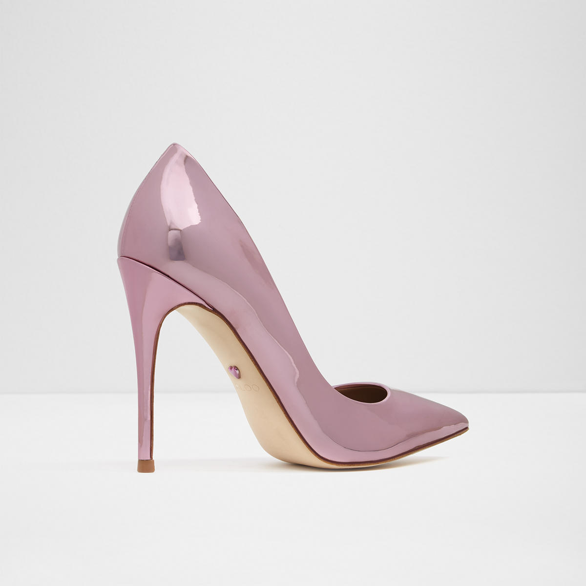 What Is A Narrow Heel On A Women S Shoes