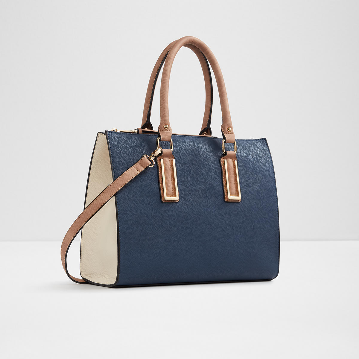Women's Handbags and Purses A good purse is the perfect finishing touch for any outfit. At Payless, you'll find handbags for every ensemble and occasion occasion, from elegant clutches to trendy crossbodies and chic satchels.