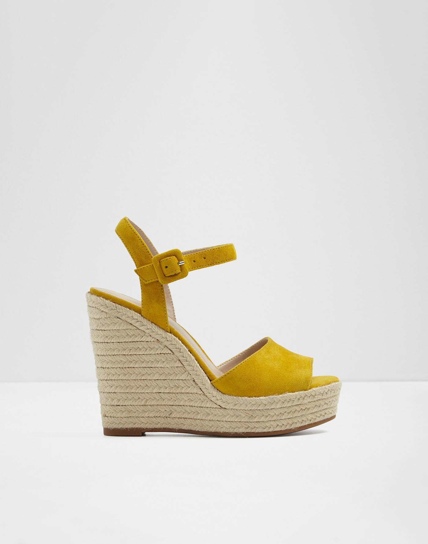 71a80f674fec Wedge sandals