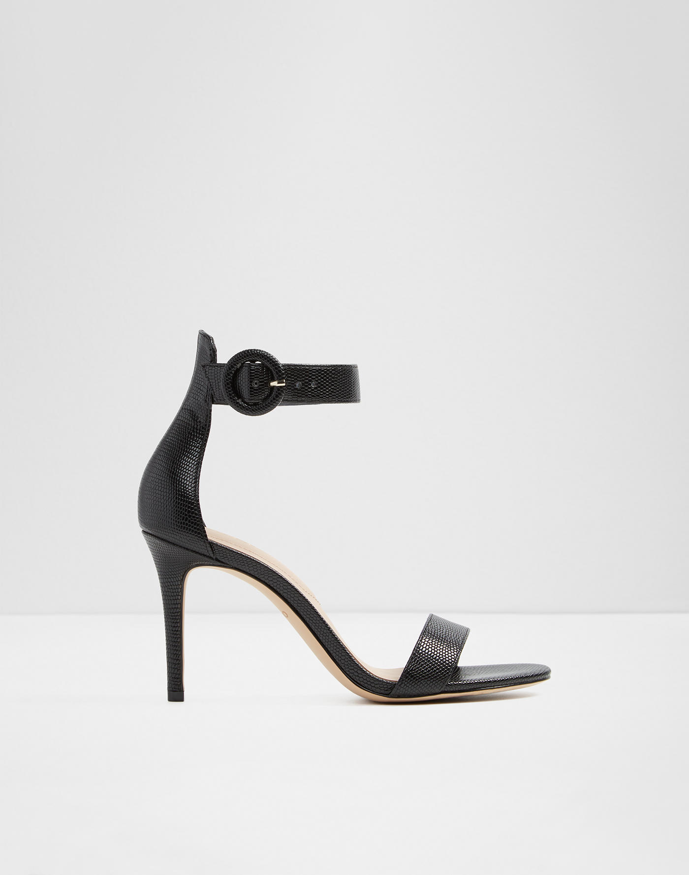 c11bdb6fc98 Sandals