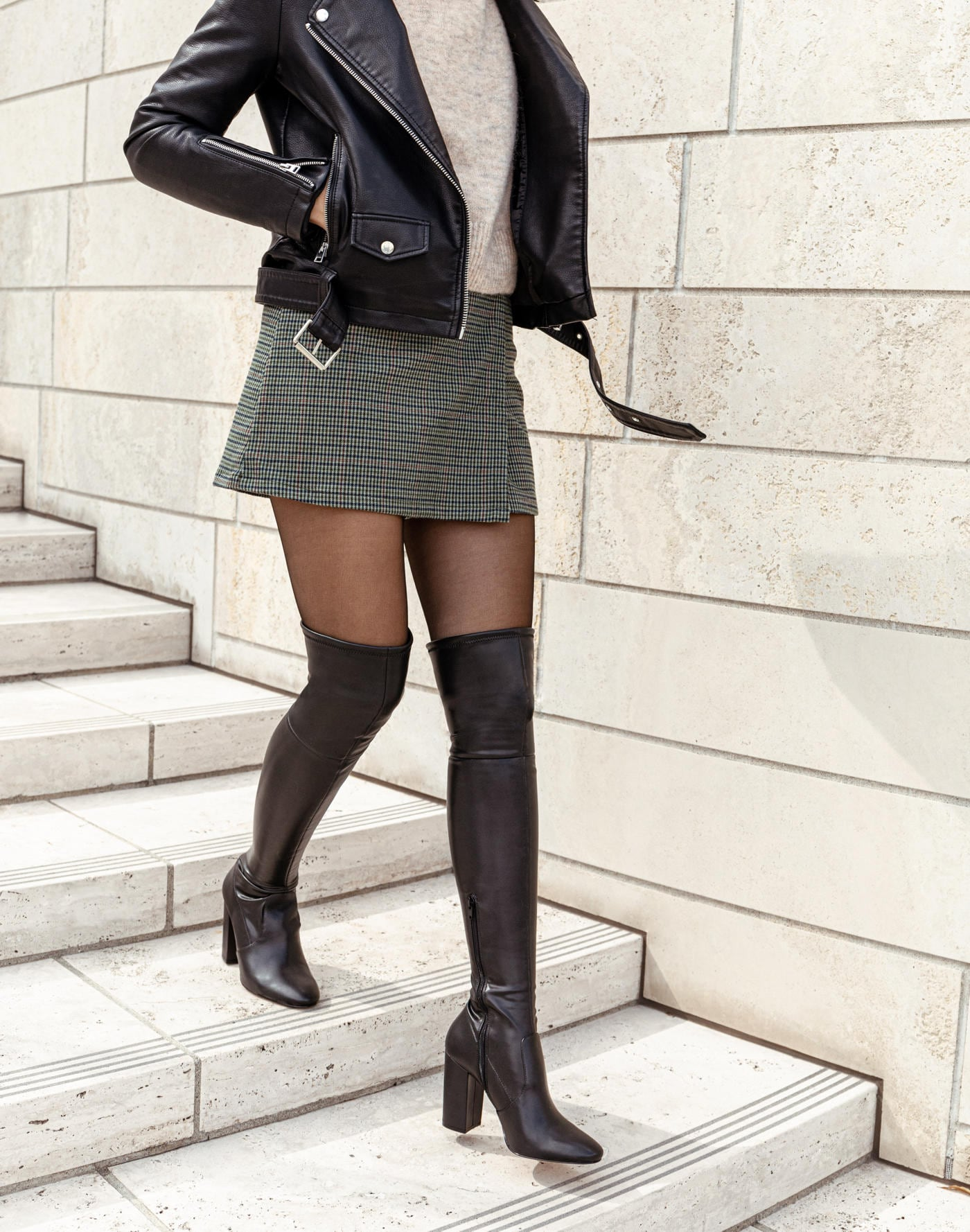 Thigh High Boots \u0026 Over-The-Knee Boots