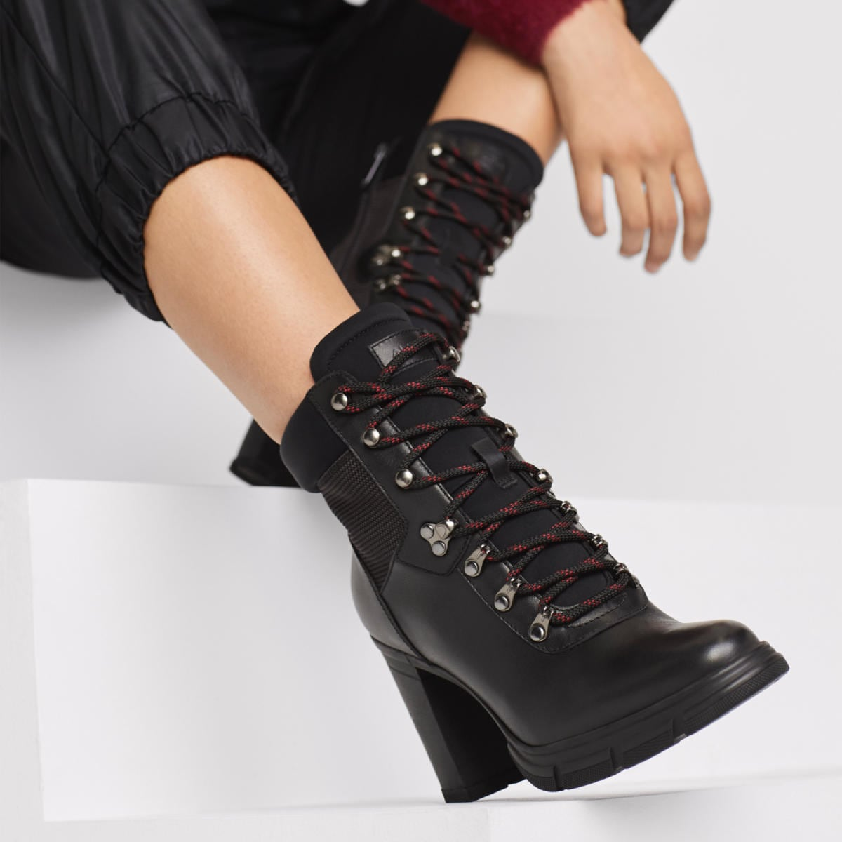 Tipula Black Women's Ankle boots