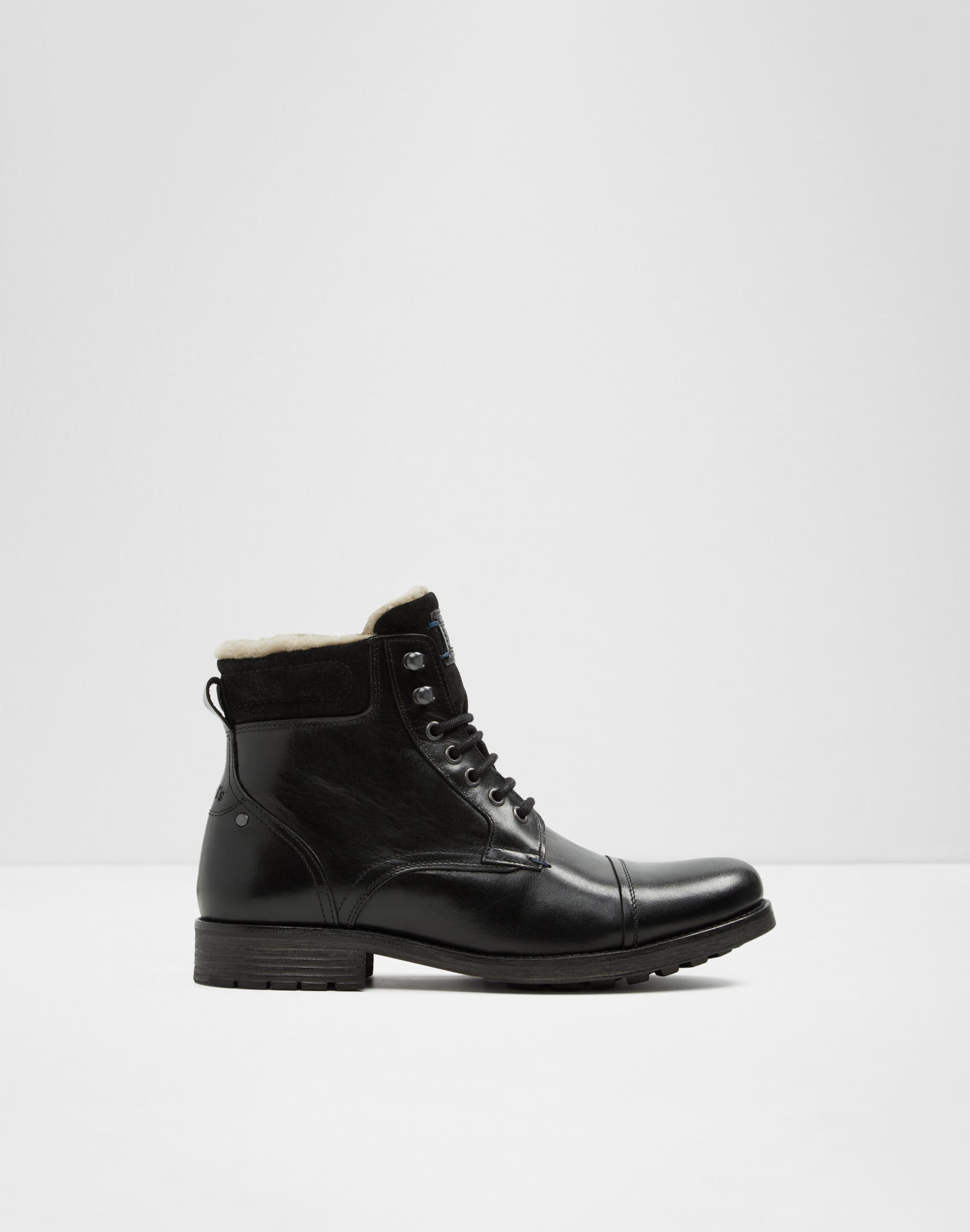 8bf04c83f9 Boots